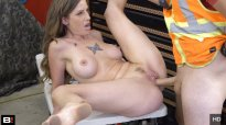 RoadsideXXX Tricia Oaks Fucks For Cash To Get Her Boyfriend Out Of Jail