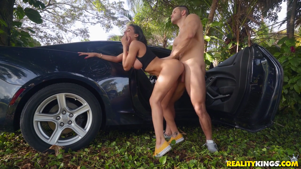 Luna Star PublicPorn Sex by The Car Outdoors Premium Video