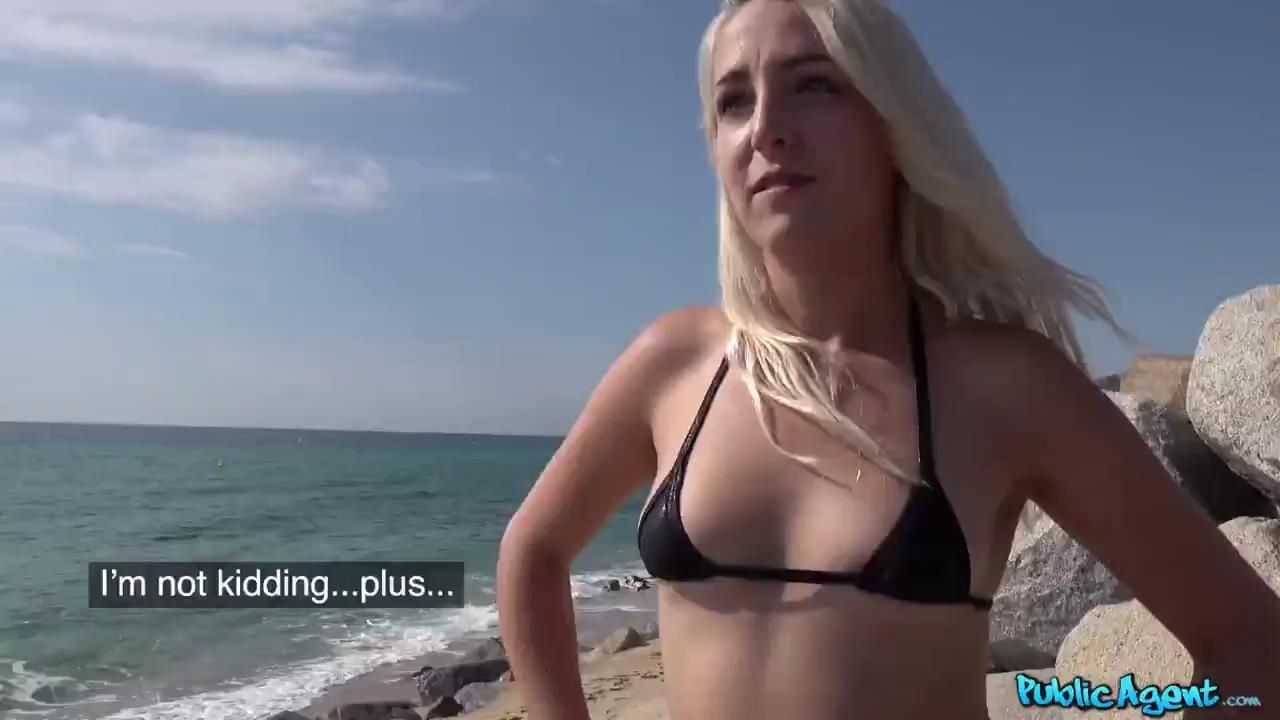 PublicAgent Liz Rainbow Blonde In Bikini Full Video